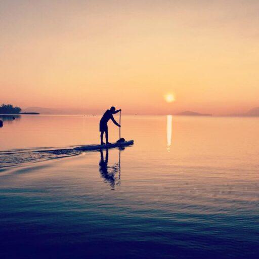 Razones para practicar Stand Up Paddle alguna vez en la vida¡No puedes dejar de probar esta disciplina! Esta disciplina se conoce como SUP (Stand Up Paddle), Paddle Surf o s